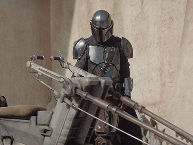 """'Binge Mode: Star Wars': 'The Mandalorian' Chapter 5, """"The Gunslinger"""""""