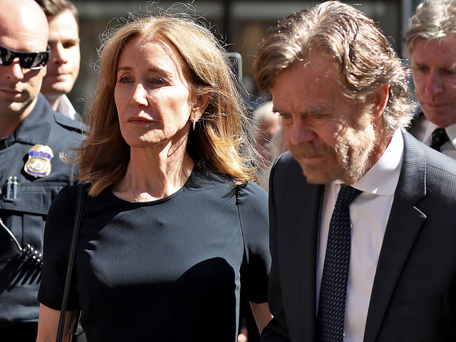 Twitter rips into Felicity Huffman's 14-day prison sentence