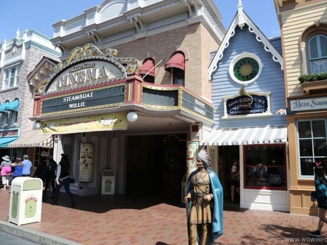 Disneyland Turns Main Street Cinema Into Another Store; Fans Aren't Happy
