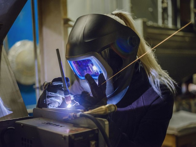 Federal report says U.S. needs more technical workers, not necessarily with bachelor's degrees