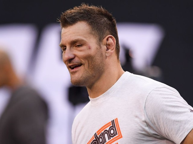 Miocic cleared to fight, teases of fight with Ngannou: 'I'll put a clinic on him again'