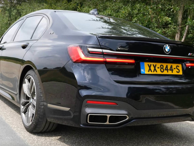 2020 BMW M760Li Is A Powerful Luxo-Barge, So Let's See What She'll Do, Shall We?