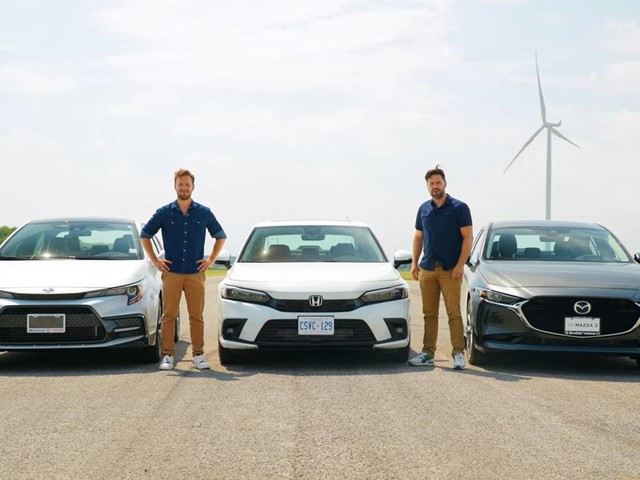 The 2022 Honda Civic Performs Pretty Well Against The Toyota Corolla and The Mazda 3 On the Drag Strip
