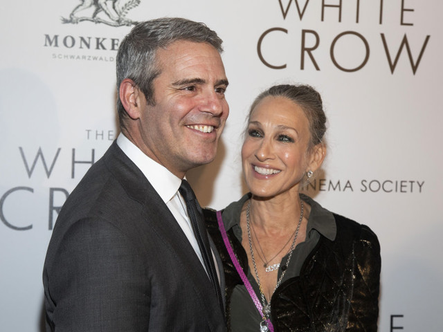 Sarah Jessica Parker stuns fans with throwback picture of her an Andy Cohen on set of iconic show