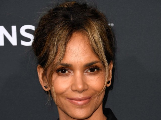 Halle Berry Reacts After Netflix Offers $20 Million to Buy Her Directorial Debut!