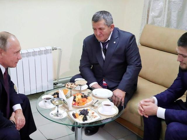 Vladimir Putin offers condolences to Khabib