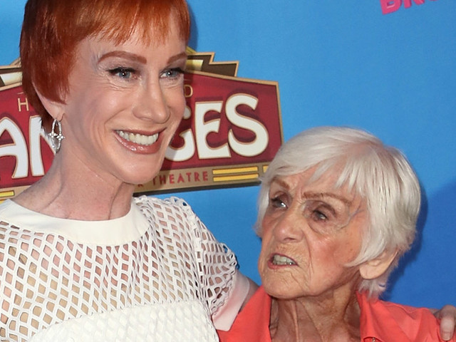 Kathy Griffin reveals, through heartbreaking tweets, that mom Maggie is suffering from dementia