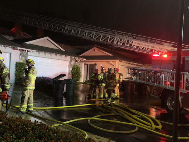2 dogs killed in Yorba Linda duplex fire, officials say