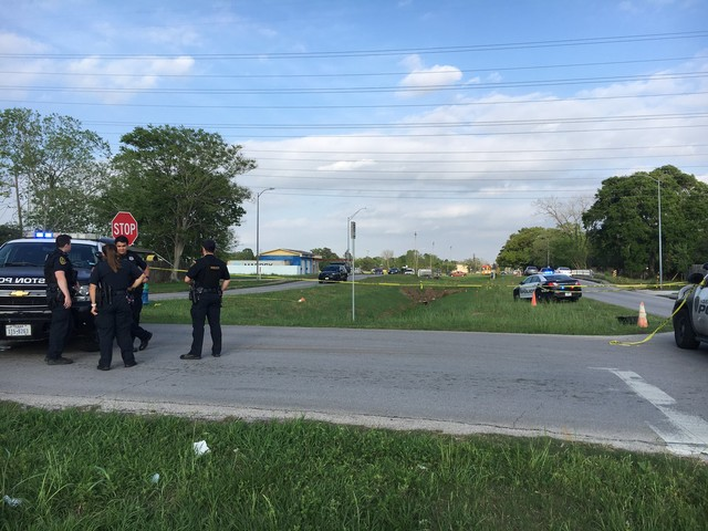 Man's body found in drainage ditch in south Houston