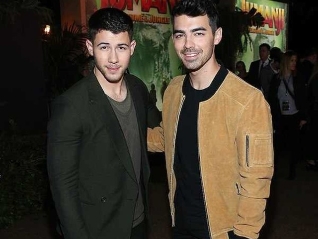 Nick Jonas & Joe Jonas