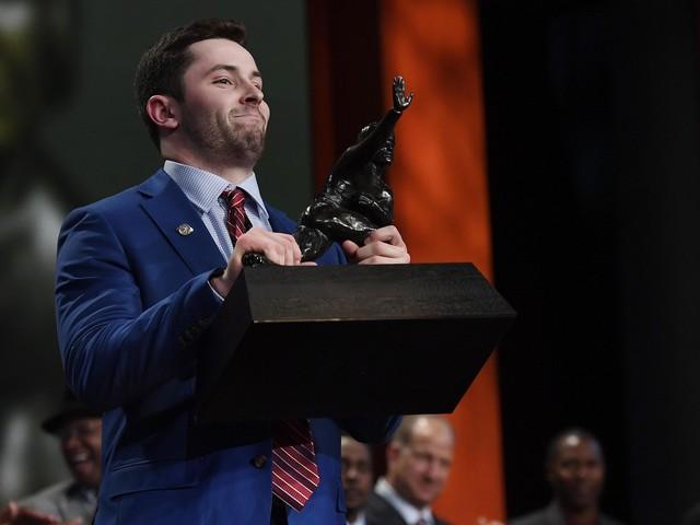 Oklahoma quarterback Baker Mayfield wins 2017 Heisman Trophy
