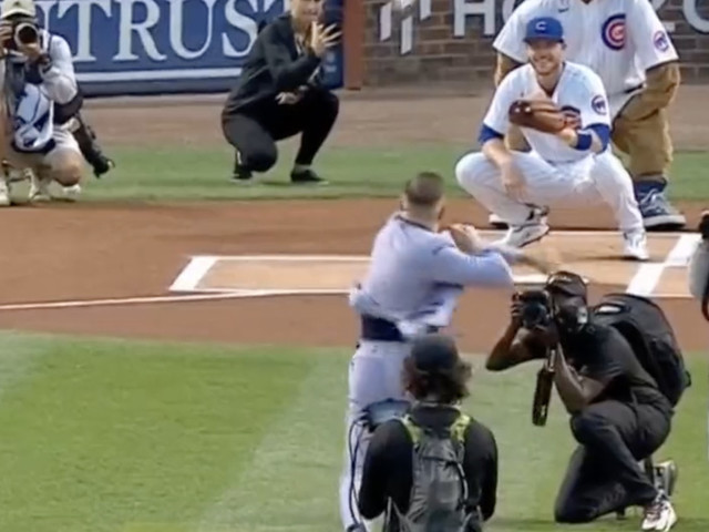 Conor McGregor threw the worst first pitch ever at the Cubs game