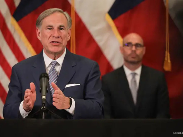 Mask mandate appears to be helping in Texas, but experts ask Gov. Greg Abbott not to rule out a shutdown