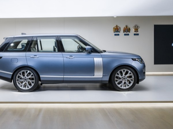 This Just In: Range Rover PHEV & INFINITI SUV