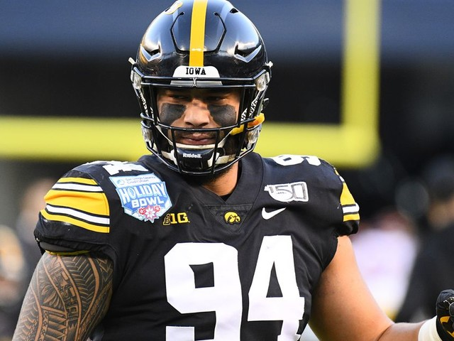 A.J. Epenesa would give the Jaguars a versatile starter