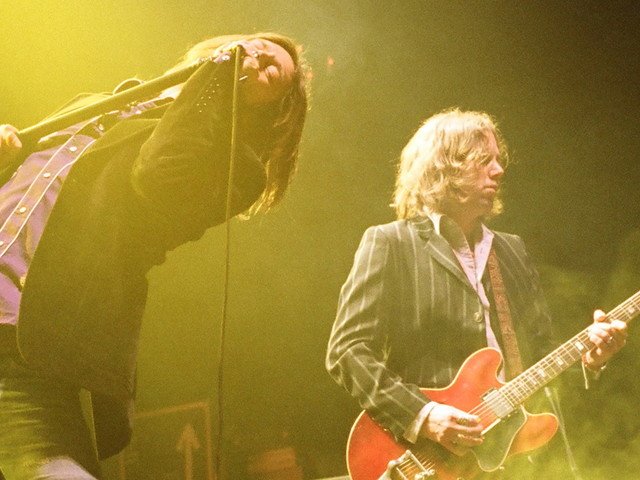 Chris & Rich Robinson Reportedly Eyeing Black Crowes Reunion In 2020