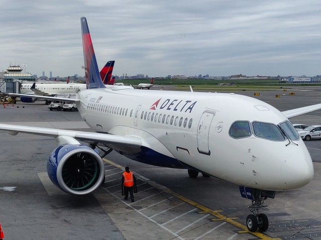 I flew first-class in Delta's year-old A220, the plane Boeing tried to keep out of the US (DAL)