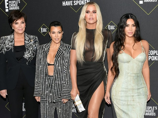 Can You Keep Up With the Kardashian Family's People's Choice Awards Appearance?