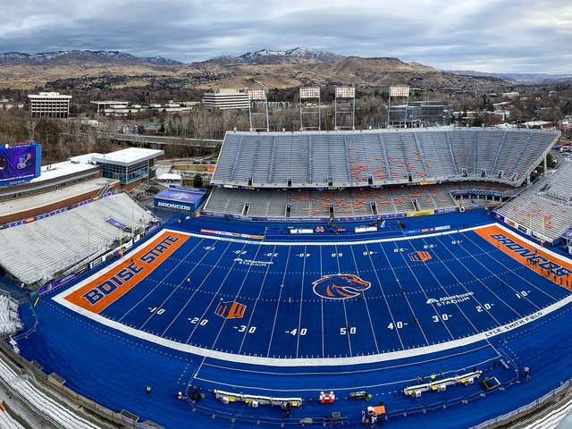 Opinion: Abandon Mountain West for the AAC? Boise State football appears to have options