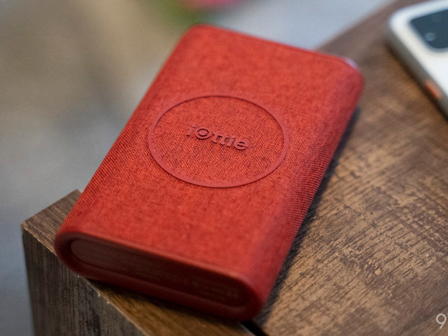 Review: iOttie iON Go is a handy, attractive power bank w/ wireless charging