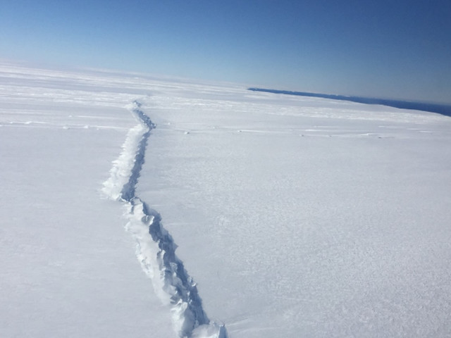 Colossal iceberg that dwarfs Manhattan just broke free in Antarctica