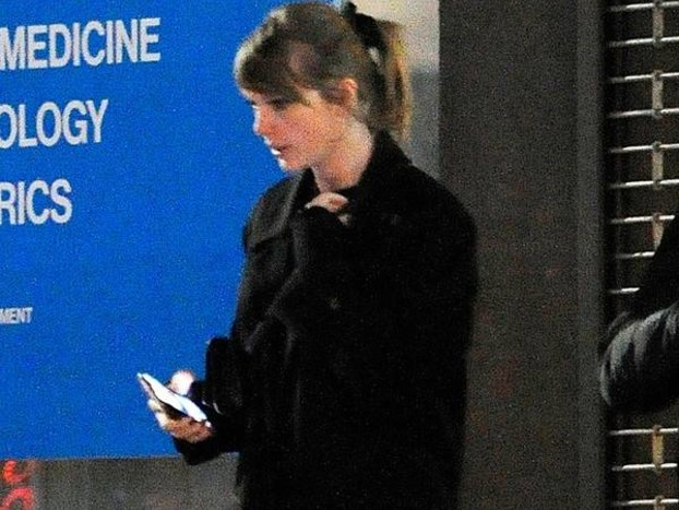 Taylor Swift Is Back in the Recording Studio and Fans Are Freaking Out