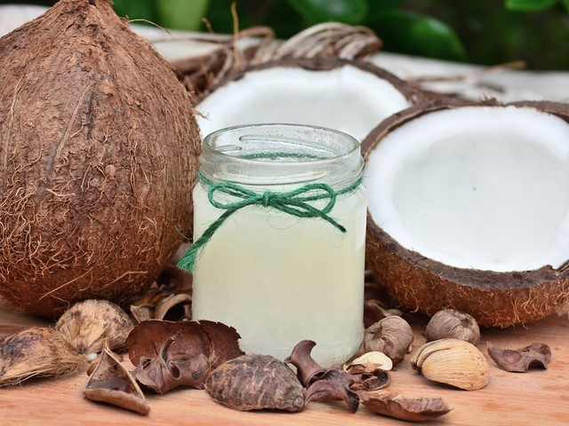 Coconut Oil Helps Reduce Heart Disease And Stroke Chances, Study Shows