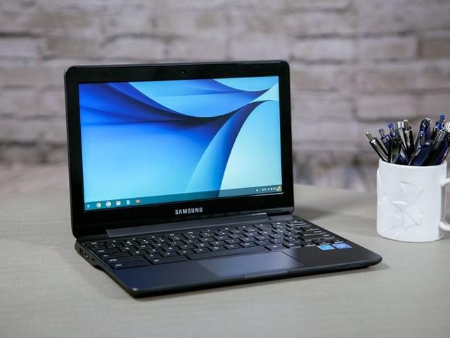 Buy an Unlocked Galaxy S10e, Get a Free Chromebook 3