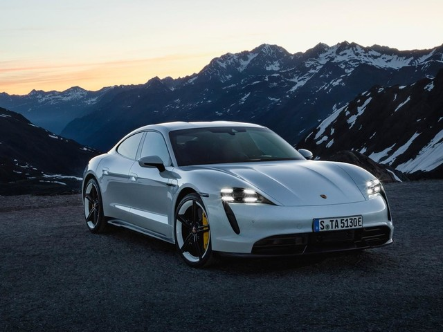The Porsche Taycan Turbo S Is Rated at 194 Miles? It Doesn't Stand a Chance