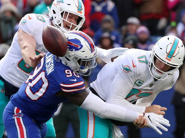 Dolphins move into full rebuild by trading Ryan Tannehill to the Titans