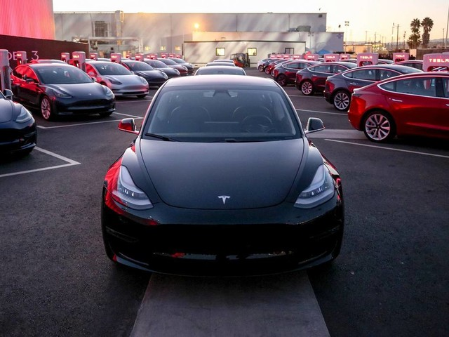 Tesla Model 3 Beats SUVs To Become America's Best-Selling Premium Car In 2018