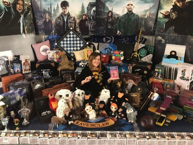 Harry Potter Super-fan Breaks World Record for Largest Collection of Memorabilia!