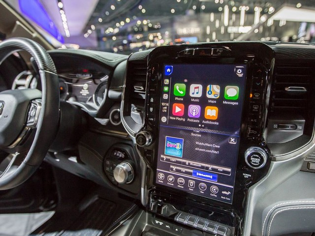 Here's what CarPlay and Android Auto look like on the new Ram's 12-inch touchscreen