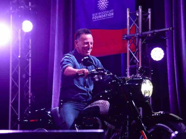 Bruce Springsteen's drunk driving, reckless driving charges dropped