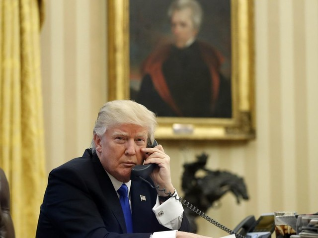 Donald Trump disputes report about personal cellphone, tells CNN to 'Retract!'