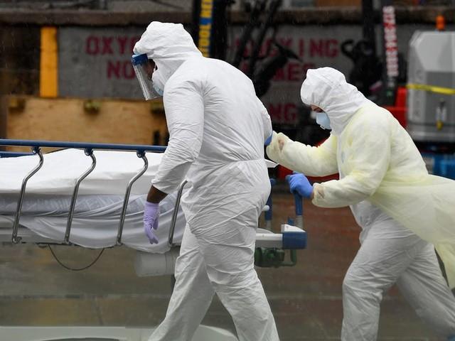New daily coronavirus cases will 'easily hit six-figure' mark soon, public health expert warns