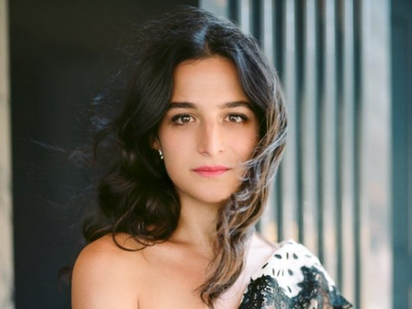 Netflix Unveils Preview Of Jenny Slate Comedy Special 'Stage Fright'