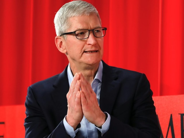 Apple hits an all-time high as China and the US reach a phase-one trade deal (AAPL)