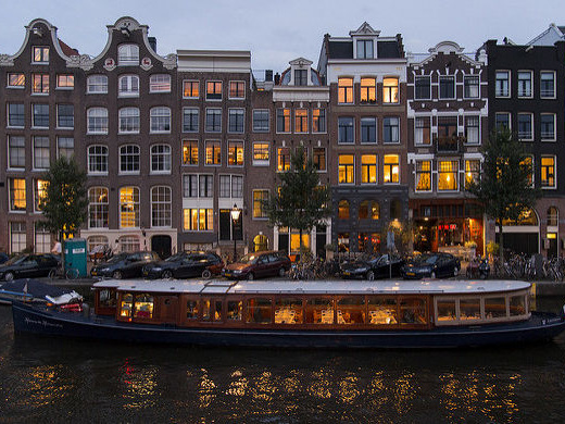 Scandinavian Airlines: Chicago – Amsterdam, Netherlands. $447 (Regular Economy) / $392 (Basic Economy). Roundtrip, including all Taxes