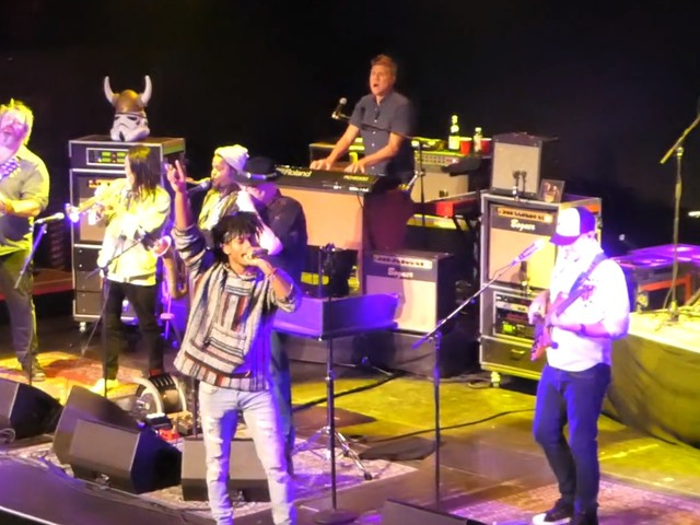 Blues Traveler Welcomes Con Brio Members For Bob Marley Cover In LA