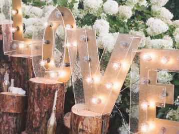 'Plantation Weddings' Were A Thing On Pinterest & The Knot, Now They're Facing MAJOR Changes