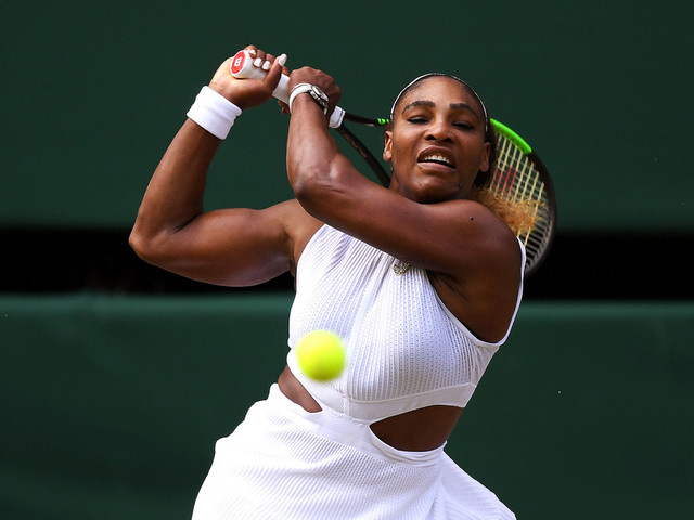 Serena Williams cruises to Wimbledon final with major record in sight