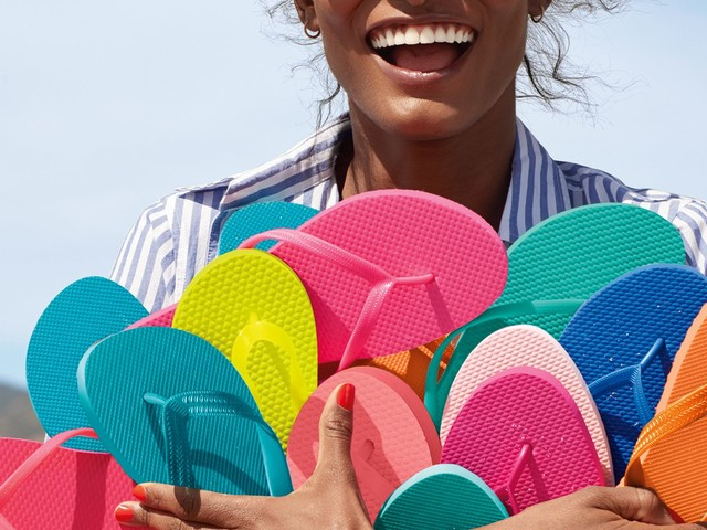 Brace Yourselves: Old Navy's $1 Flip Flop Sale Is Coming