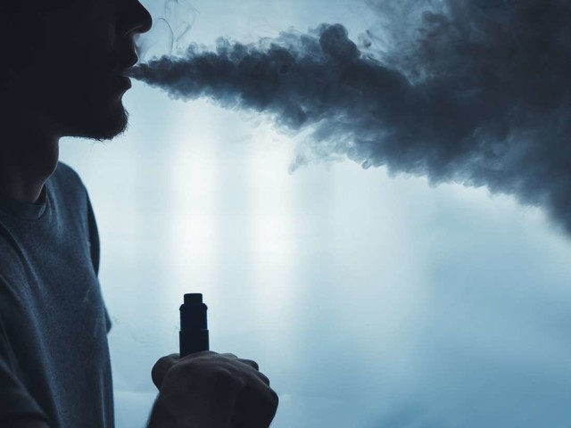 Medical News Today: Lung injury outbreak: CDC warn against certain vaping products