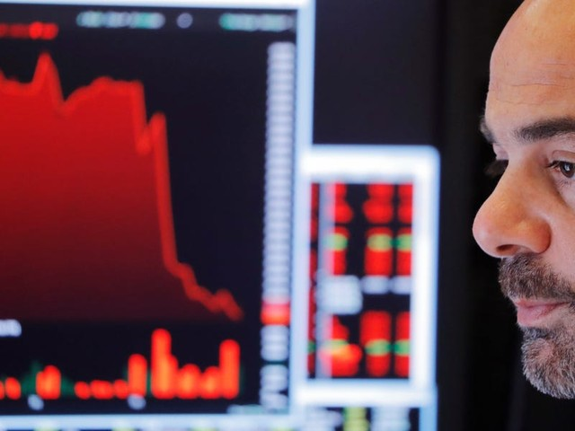 A Wall Street expert who called the stock market's late-2018 meltdown warns another plunge could arrive in December — and shares his investing advice for 2020