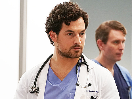 'Grey's Anatomy' Recap: DeLuca's Behavior Worries Meredith & The Alex Mystery Continues
