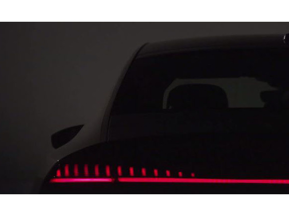 Audi Previews Interior, Lights on New A7