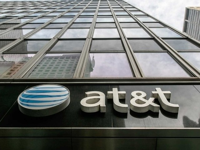3 Reasons to Go Long AT&T Stock Now,While You Have the Chance