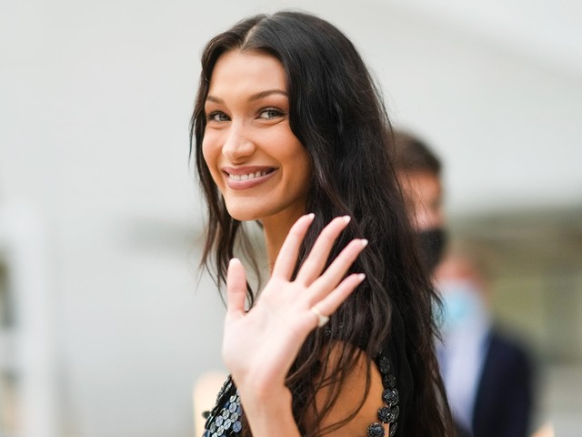 Bella Hadid Puts A Y2K Spin On Frosted Tips
