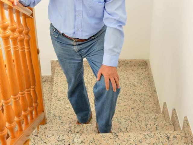 Knee Injections vs. Knee Replacement: What are My Options?